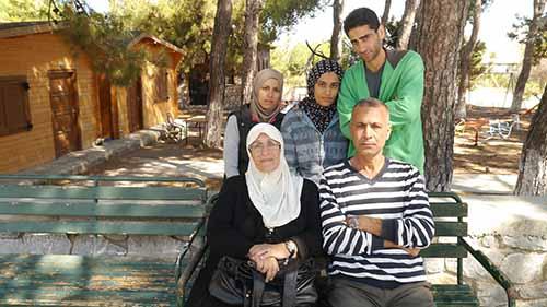 palestinian-family-web